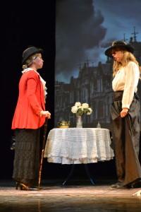 Lady Braknell e Gwendolen